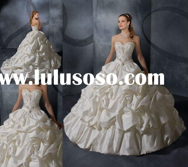 Strapless Sweetheart Bodice Embroidered Big Ball Gown Taffeta Wedding Dress W543