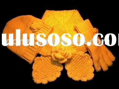 Cute yellow children's knitting hat/scarf/glove set