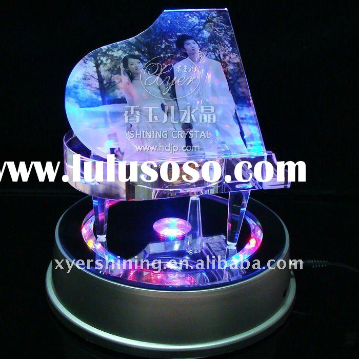 2011 Hot selling crystal piano music box wedding gifts